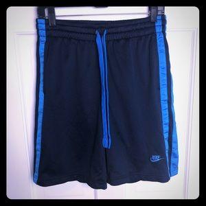 Nike Gym Shorts with pockets Medium